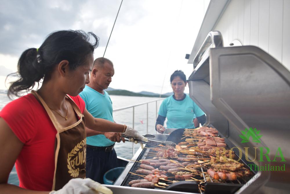 船上BBQ ラチャ島